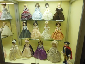 Abigail Adams, Louisa Adams and other First Ladies Madame Alexander dolls, Zanesville Museum of Art