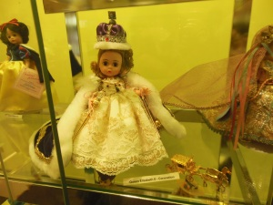Queen Elizabeth II Coronation Madame Alexander doll, Zanesville Museum of Art