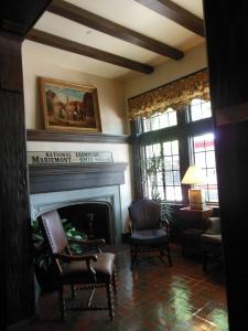 Lobby, Mariemont Inn