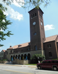 Mariemont Community Church parish center, Mariemont