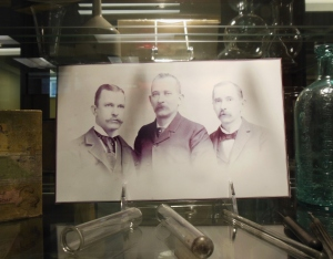 Photograph of John Uri, Nelson Ashley and Curtis Gates Lloyd, at the Lloyd Library