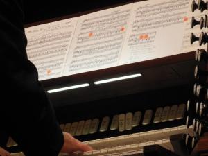 Richard Elliott playing the organ at Mees Hall