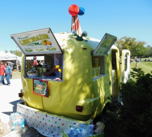 Lemonade stand, Country Living Fair