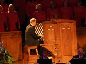 Richard Elliott and the Mormon Tabernacle Choir rehearsing for Music and the Spoken Word, September 2012
