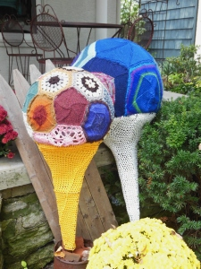 Knitted and crocheted golf balls at Knitting Temptations