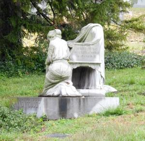 Charles Dannenfelser monument, Spring Grove Cemetery