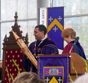Sean Decatur holding Kenyon's ceremonial mace