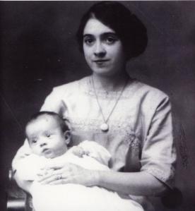 Julia O'Connor Born holding Jane Born Heinmiller, 1912