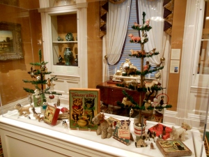 Cats and dogs trees, Antique Christmas, Taft Museum