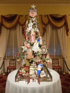 Christmas tree in the Music Room, Taft Museum