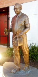 Statue of Dave Thomas