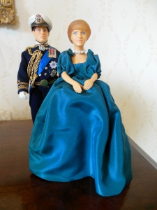 Peggy Nesbit dolls of Charles and Diana's engagement