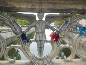 Love padlocks on Berlin's Schlossbrücke